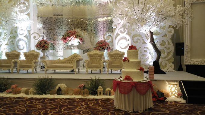 MC Wedding and Ceremony Echy & Iyan by She La Vie Organizer & Decoration - 006