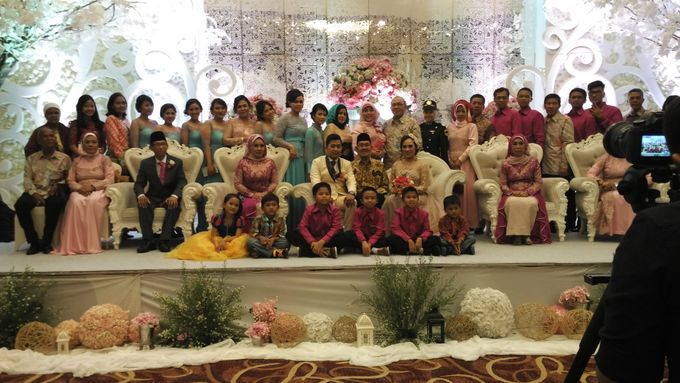 MC Wedding and Ceremony Echy & Iyan by She La Vie Organizer & Decoration - 008