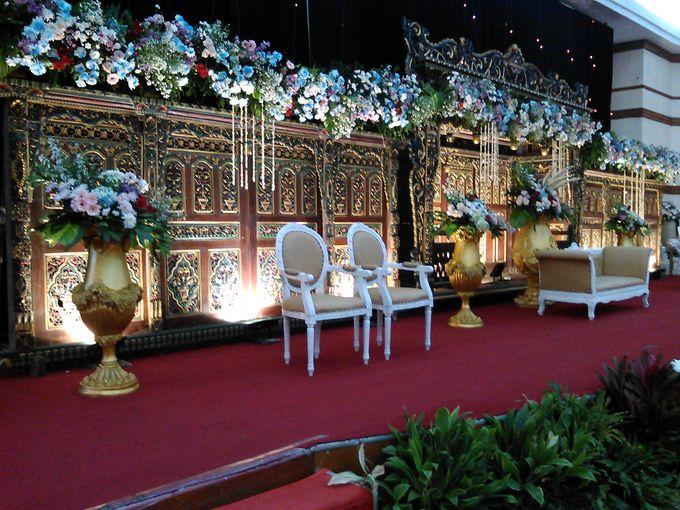 Wedding Party At Carani Sasana Kriya Ballroom Tmii By Kobar Wedding