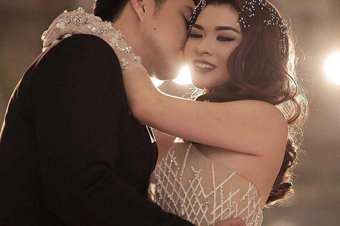 Wedding and prewedding photoshoot of Anaz Siantar and Goldwyn by Hian Tjen - 003