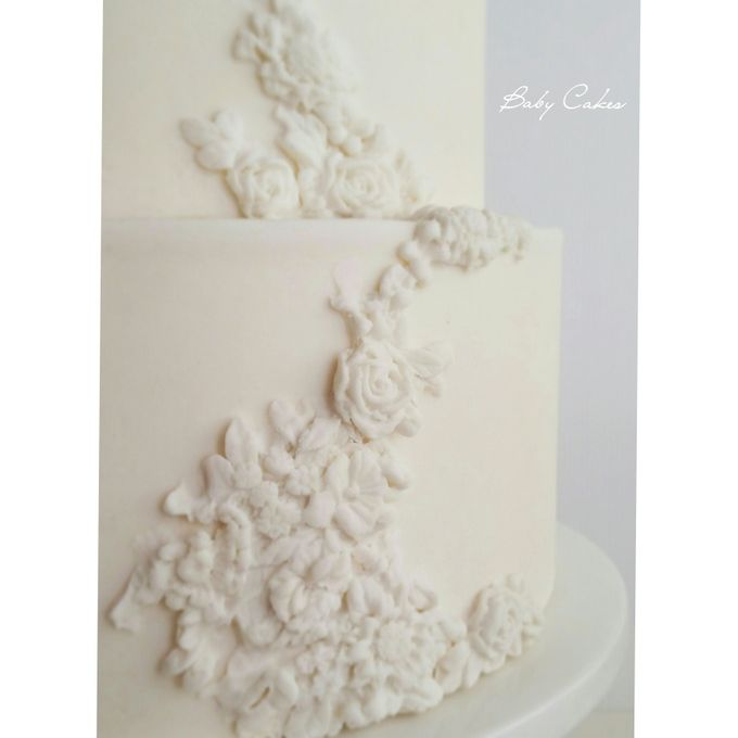 Single tier and multi tiered cakes by Baby Cakes - 020