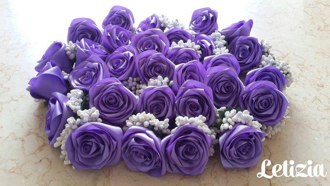 Single flower boutonniere by Letizia Wedding - 012