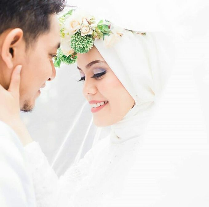 prewedding by White Make Up and Hair Do - 006