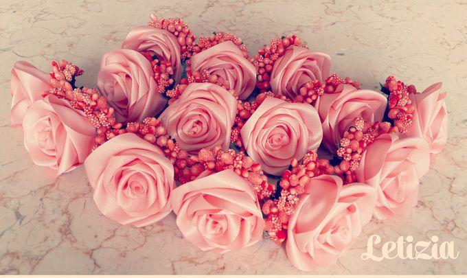 Single flower boutonniere by Letizia Wedding - 013