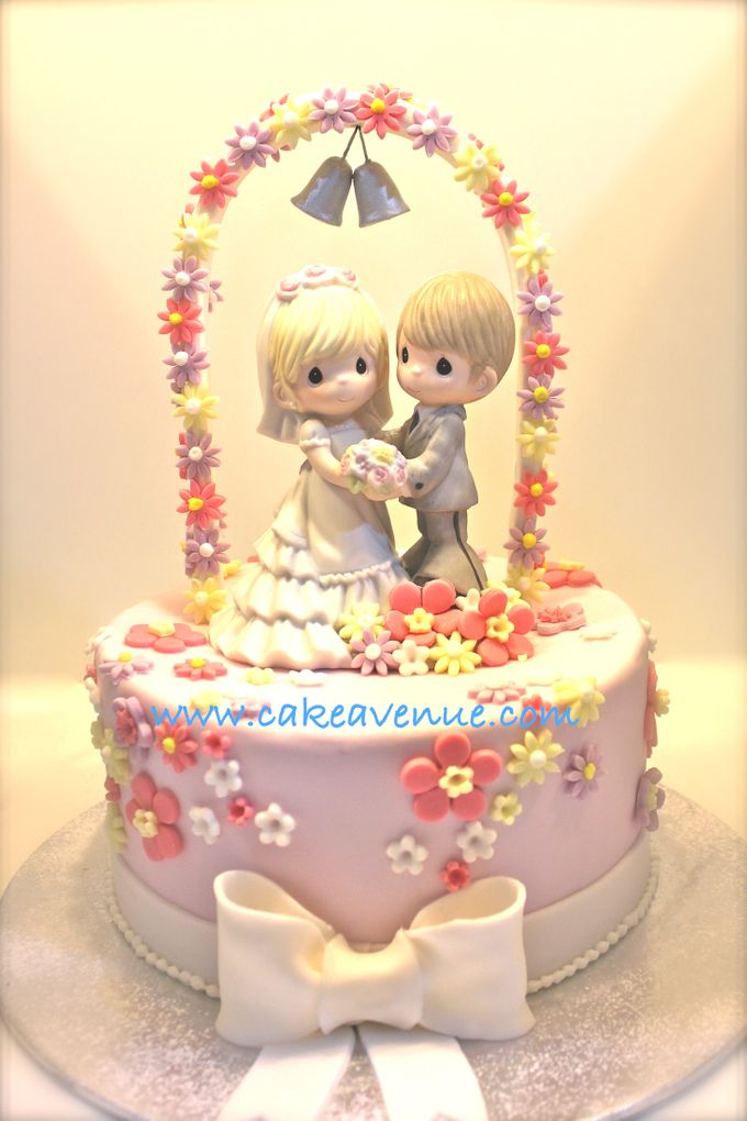 Single tier Customised Wedding Cakes by Cake Avenue - 005