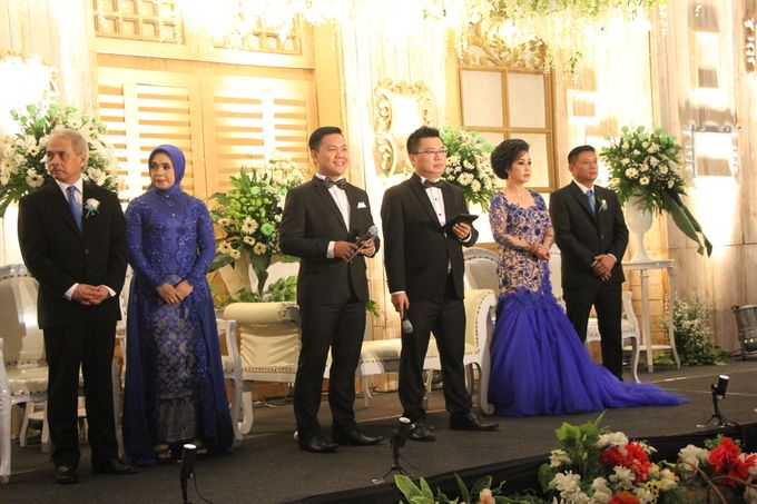 The Wedding of Yogia & Debby by Yosua MC - 005