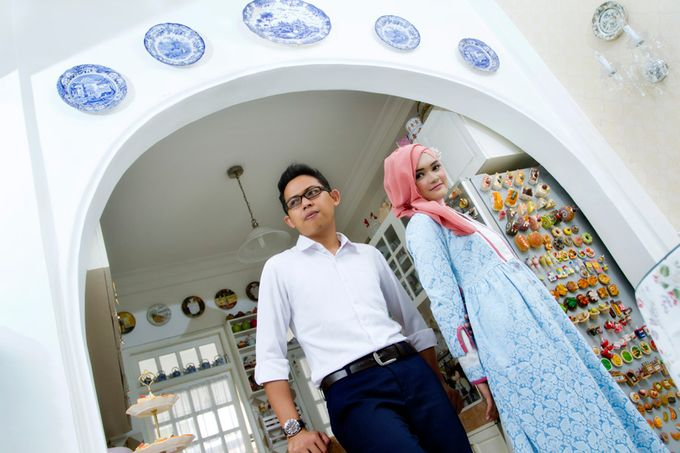 Prewedding Indoor by Lili Aini Photography - 010