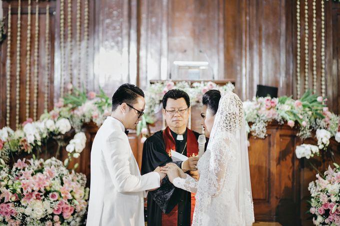 Togi & Jesicca - Holy Matrimony & Batak Ceremony by JAYSU Weddings by Jacky Suharto - 034