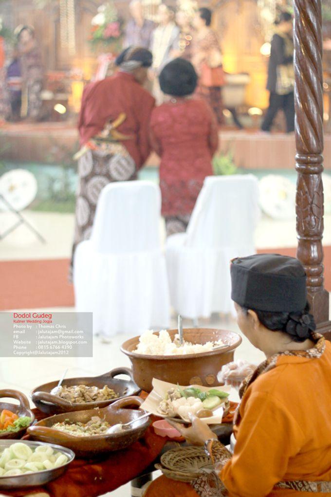 Pernikahan Adat Jawa by Jalutajam Photoworks - 036