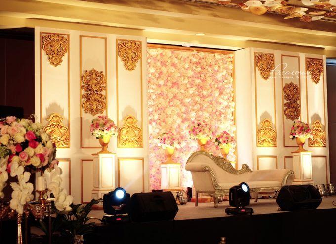 Gleaming Gold Wedding by Precious Event Design - 011