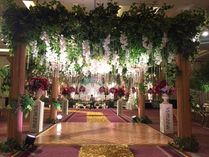 Romance in the Jungle - The wedding of David  & Ines by Fernando Edo - 003