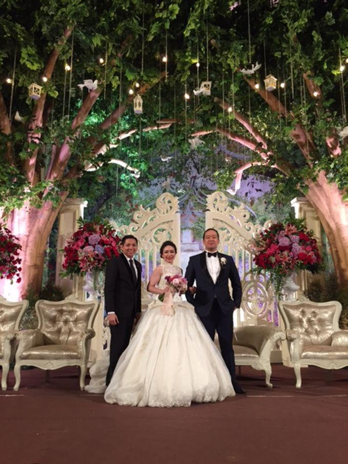 Romance in the Jungle - The wedding of David  & Ines by Fernando Edo - 006