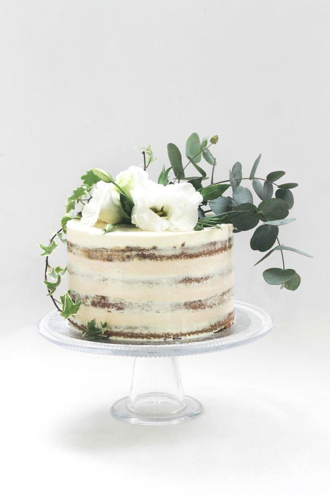 Party Cake - Semi Naked Rustic Cake by Lareia Cake & Co. - 001