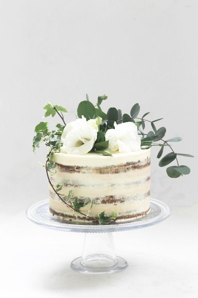Party Cake - Semi Naked Rustic Cake by Lareia Cake & Co. - 002