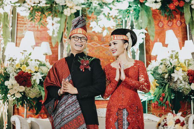 Togi & Jesicca - Holy Matrimony & Batak Ceremony by JAYSU Weddings by Jacky Suharto - 044