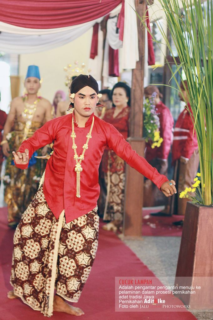 Pernikahan Adat Jawa by Jalutajam Photoworks - 027