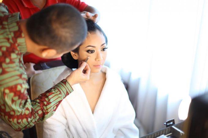 Wedding make up for Tara Rawindra (Javanese Paes& Padang) and Kathya Paramitha (National) by Yoga Septa Make Up Artist - 002