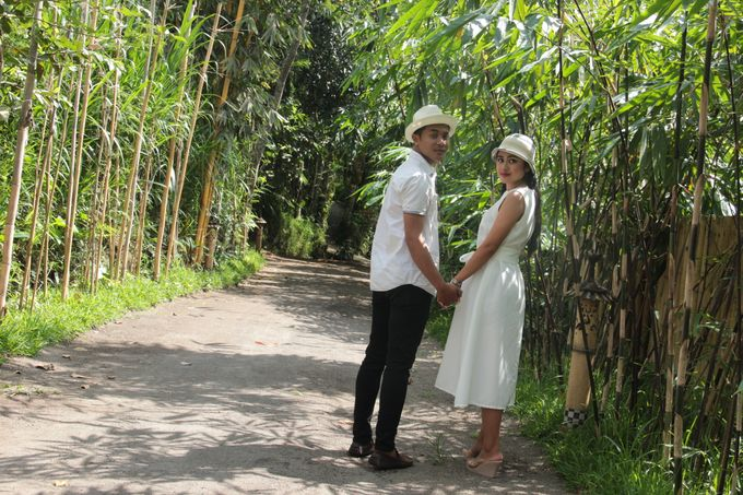 Pre Wed with Casual Theme by De Umah Bali - 003