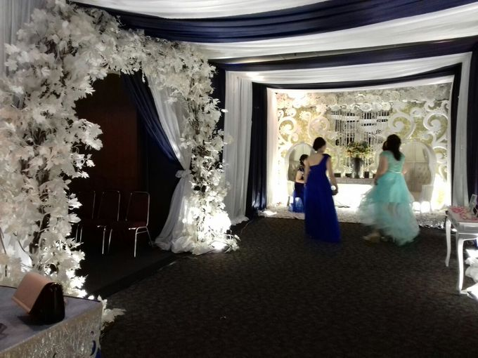 THE WEDDING OF IRWAN AND VRESY by JS Wedding Planner Organizer and Entertainment - 001