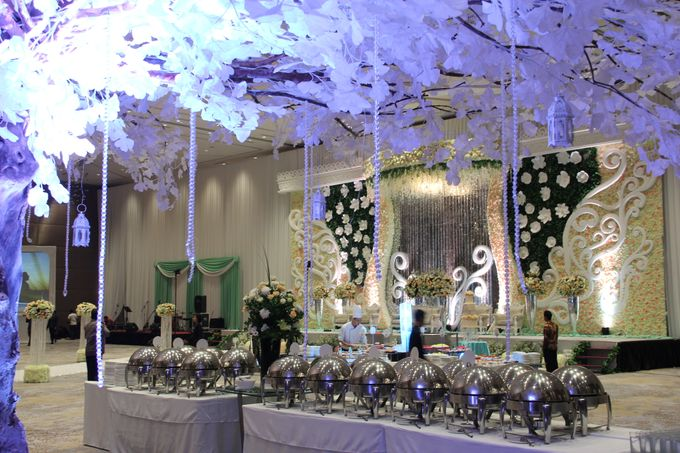 Wedding ghea rechie at novotel tangerang by novotel tangerang add to board wedding ghea rechie at novotel tangerang by novotel tangerang 010 junglespirit Gallery