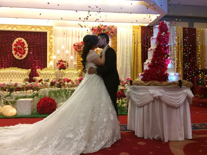 THE WEDDING OF RONALD AND MEILISA by JS Wedding Planner Organizer and Entertainment - 011