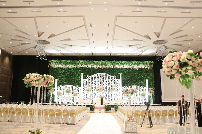Wedding patrick and michele by novotel tangerang bridestory add to board wedding patrick and michele by novotel tangerang 002 junglespirit Images