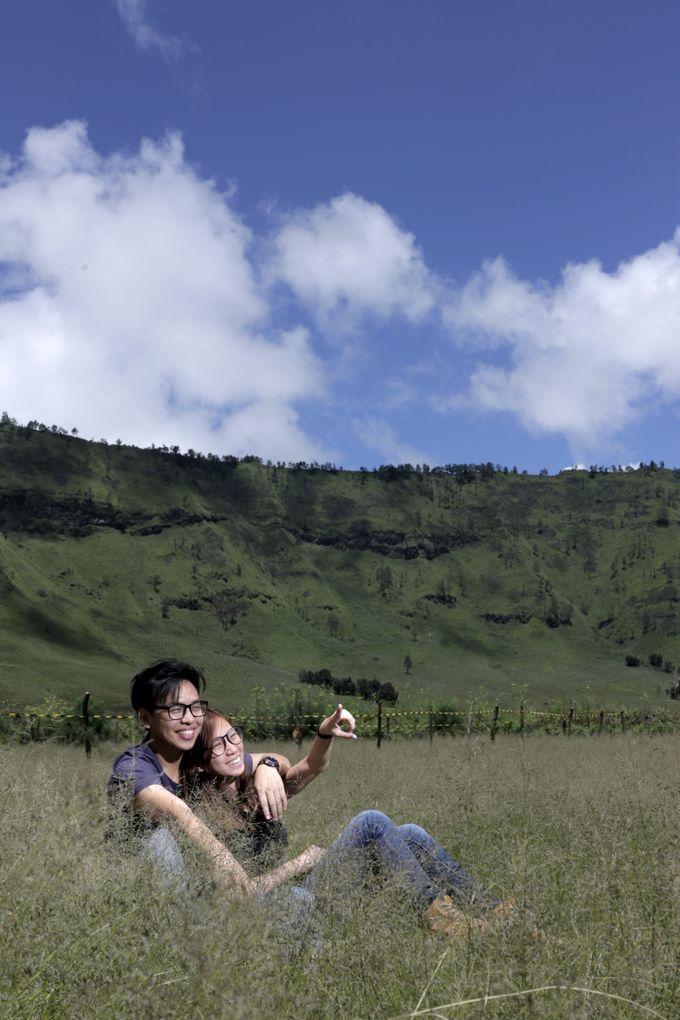 Ronnie & Zong Yan by Banyucindih Creative - 001