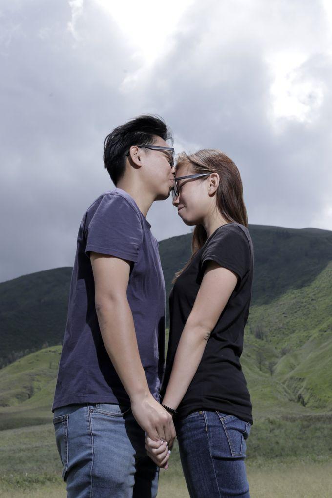 Ronnie & Zong Yan by Banyucindih Creative - 002