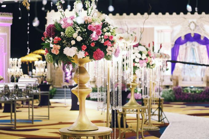 Padang Modern of Nova and Ical by Watie Iskandar Wedding Decoration & Organizer - 011