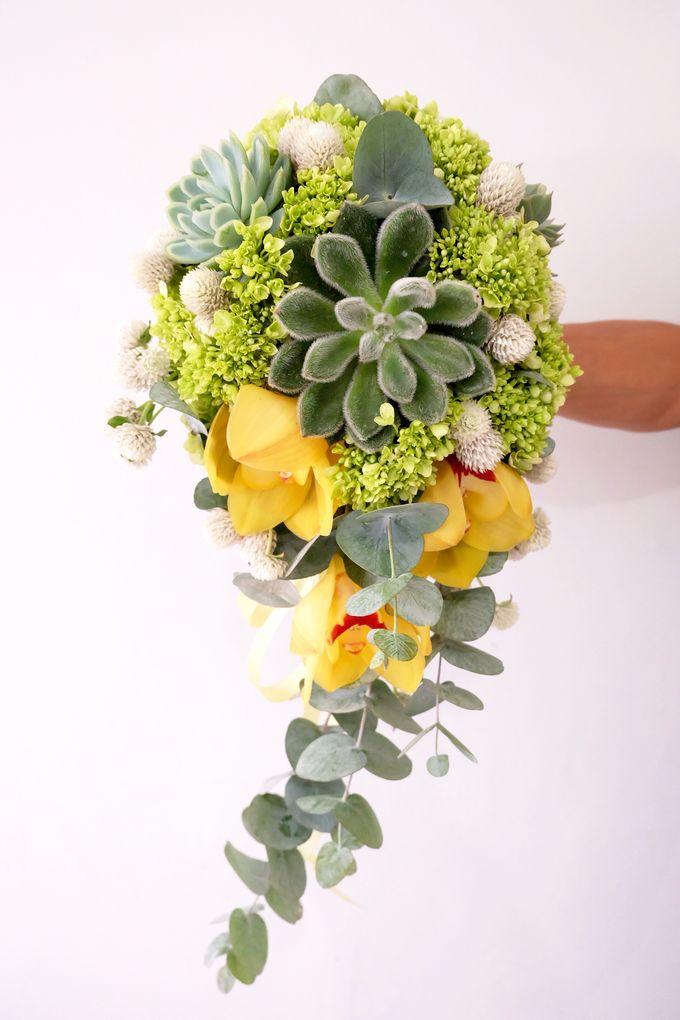 Lush Garden Bouquet by Il Fiore - 001