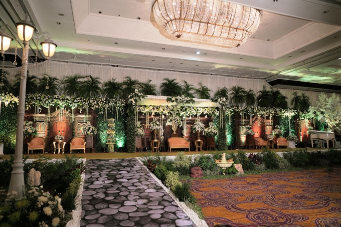 The wedding of ryan and ade by grand orchid decoration add to board the wedding of ryan and ade by grand orchid decoration 001 junglespirit Images