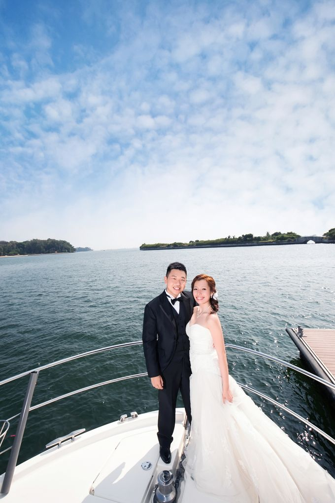 Pre-wedding shoot on yacht by ONE°15 Marina Sentosa Cove, Singapore - 013