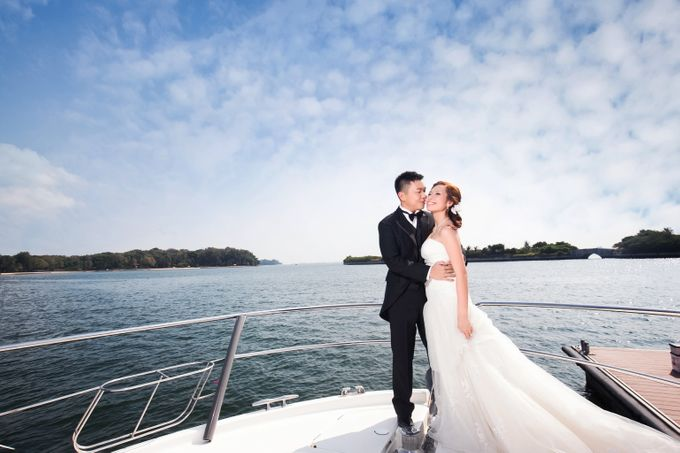 Pre-wedding shoot on yacht by ONE°15 Marina Sentosa Cove, Singapore - 001