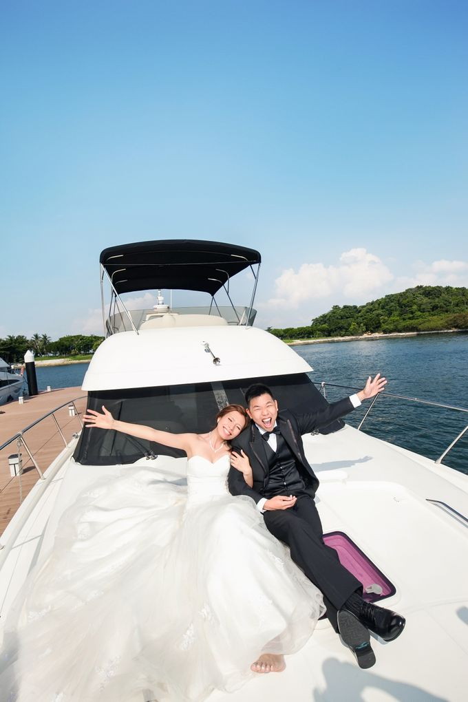 Pre-wedding shoot on yacht by ONE°15 Marina Sentosa Cove, Singapore - 014