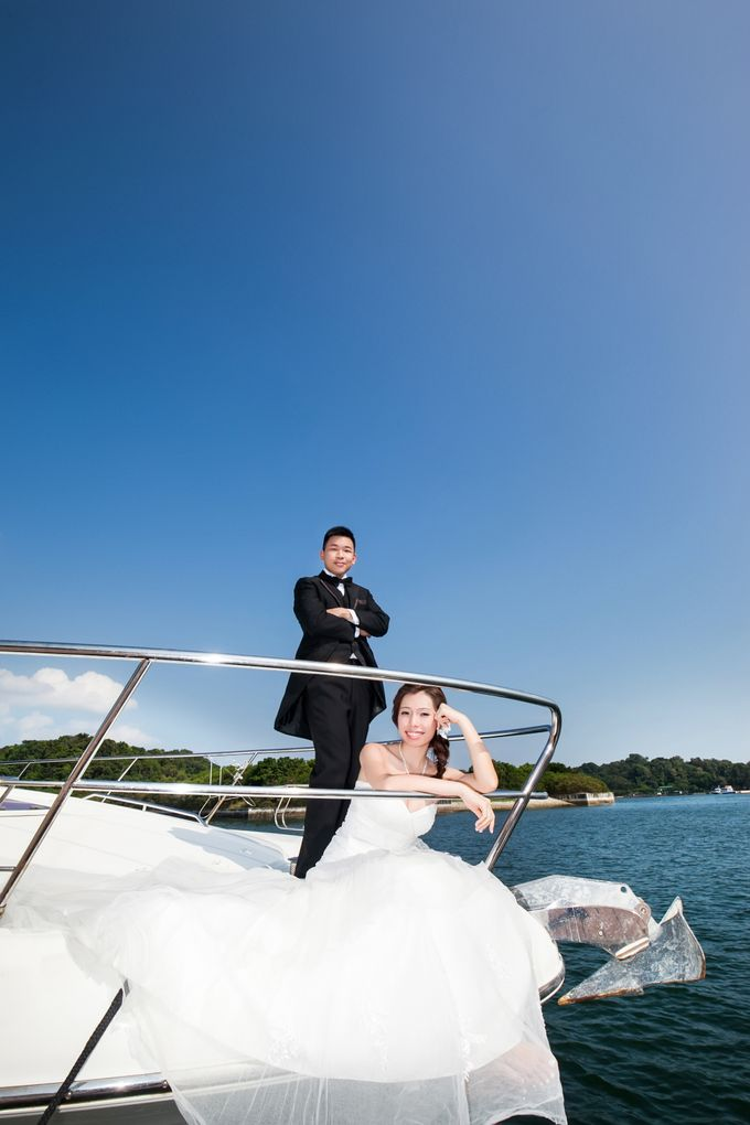 Pre-wedding shoot on yacht by ONE°15 Marina Sentosa Cove, Singapore - 004