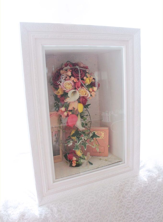 Frame Bouquet by Cup Of Love Design Studio - 019