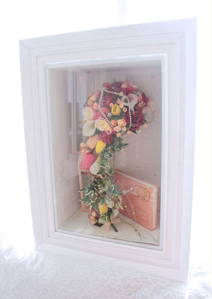 Frame Bouquet by Cup Of Love Design Studio - 020