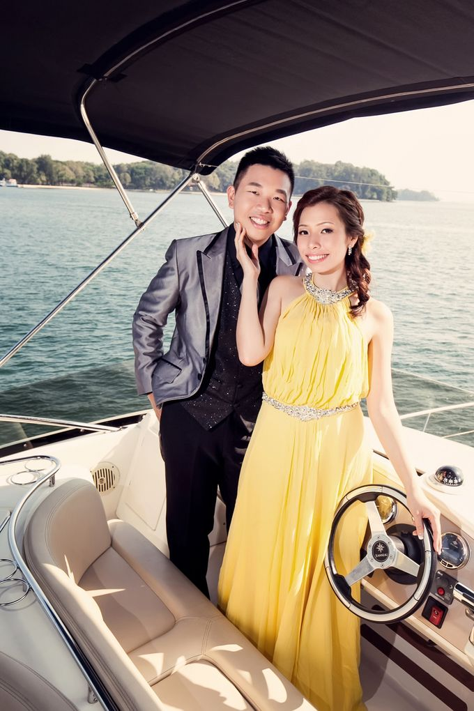 Pre-wedding shoot on yacht by ONE°15 Marina Sentosa Cove, Singapore - 006