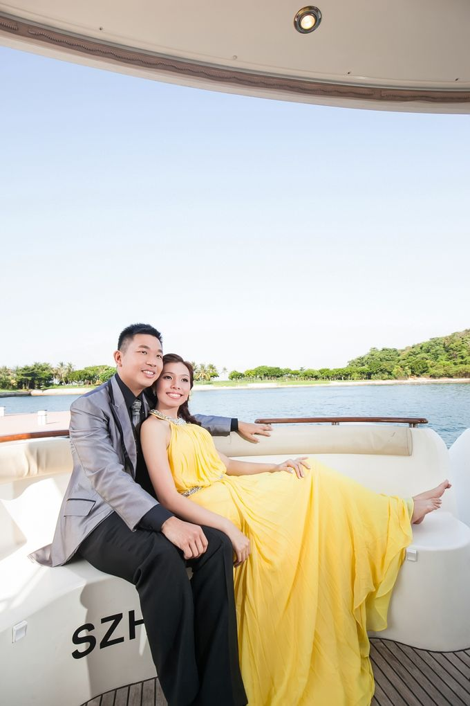 Pre-wedding shoot on yacht by ONE°15 Marina Sentosa Cove, Singapore - 007