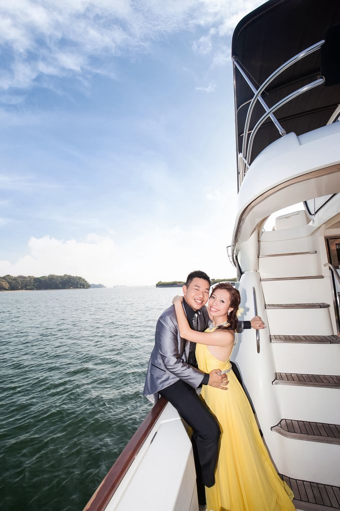 Pre-wedding shoot on yacht by ONE°15 Marina Sentosa Cove, Singapore - 008