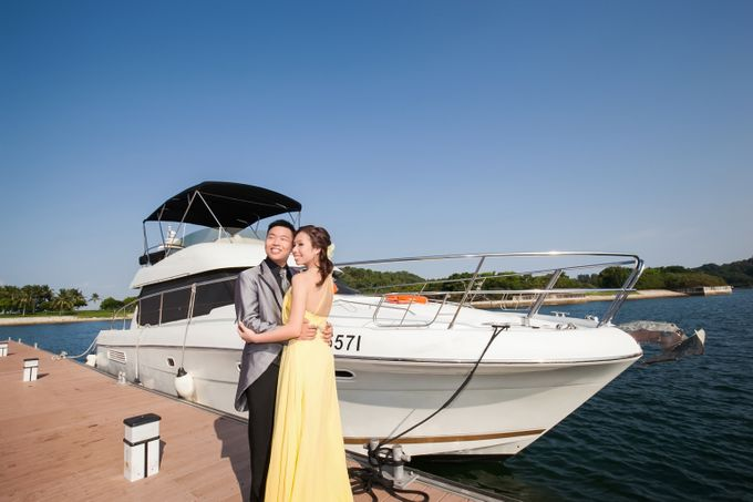 Pre-wedding shoot on yacht by ONE°15 Marina Sentosa Cove, Singapore - 010