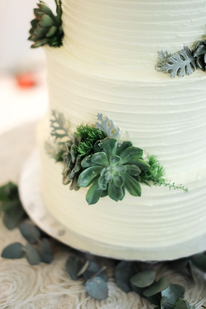 Wedding Cake - Agung & Ardilla by Lareia Cake & Co. - 004