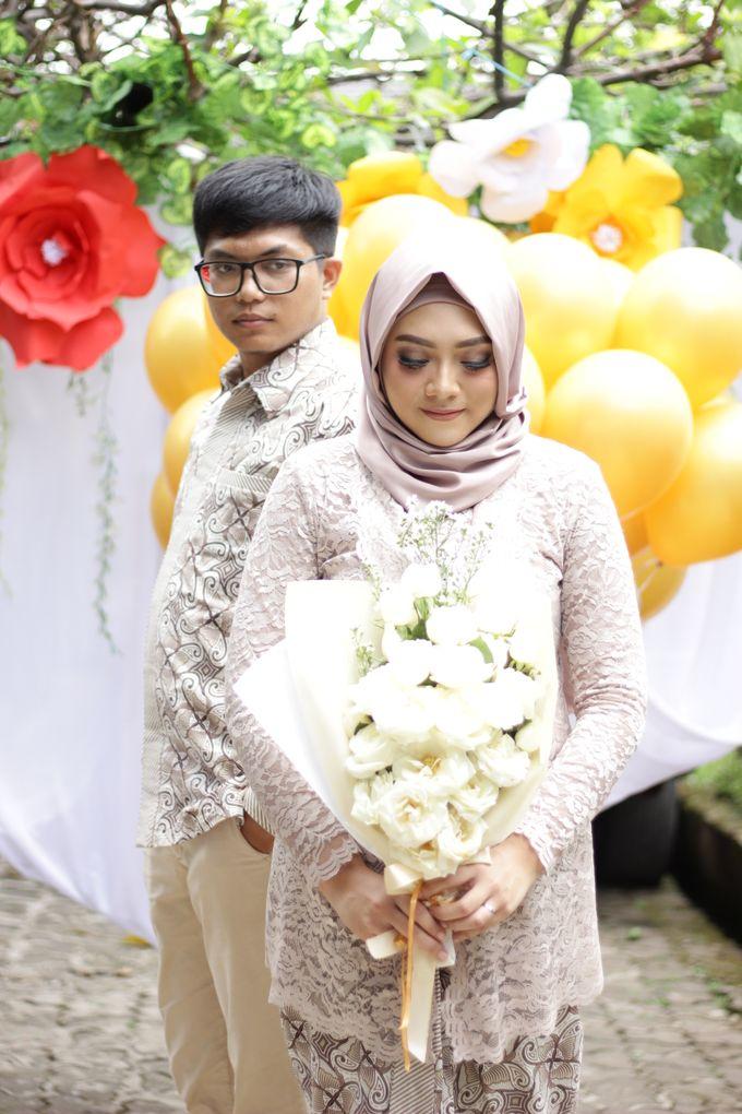 Annisa & Setia Engagement by Garland Galore Flower Shop - 007