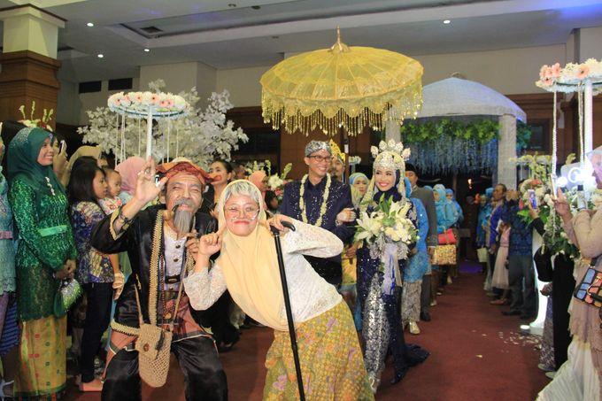 Finna & Febby Wedding by Garland Galore Flower Shop - 008