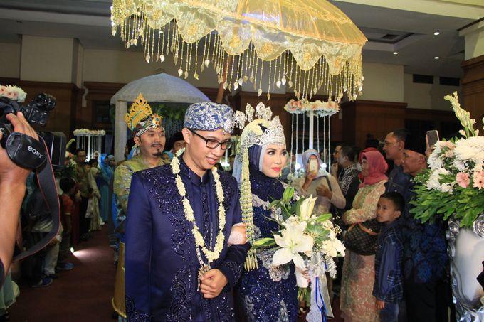 Finna & Febby Wedding by Garland Galore Flower Shop - 009
