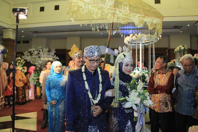 Finna & Febby Wedding by Garland Galore Flower Shop - 011