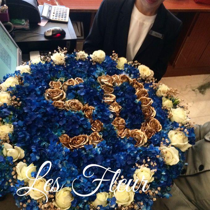 Flower Arrangement Basket & Hampers by Les Fleur Flower Design - 001
