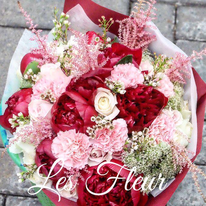 Imported Flowers by Les Fleur Flower Design - 007