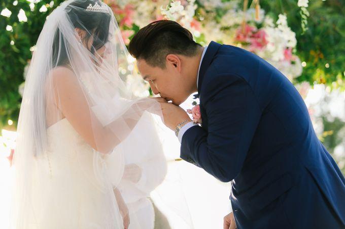 Elina & Erick / Balesin Wedding by Verse Studios - 049