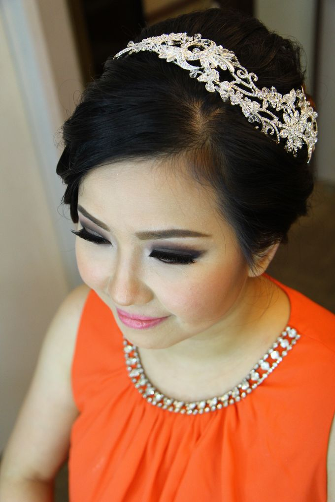 Makeup and Hairdo for Bride by Lee Cinthya Makeup Artist - 004